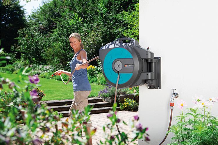 tbs gardena wand schlauchbox 25 roll up automatic. Black Bedroom Furniture Sets. Home Design Ideas